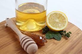 Klassisches Zitronen Dressing mit Honig